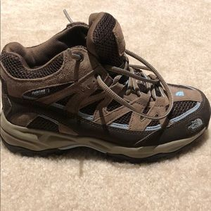 Women's size 6 The North Face Hiking boots